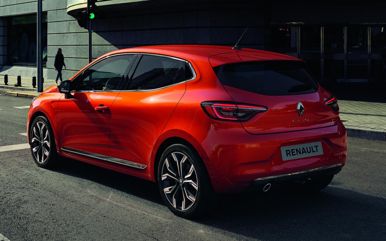 Renault Clio oranžové, plná výbava, nové auto