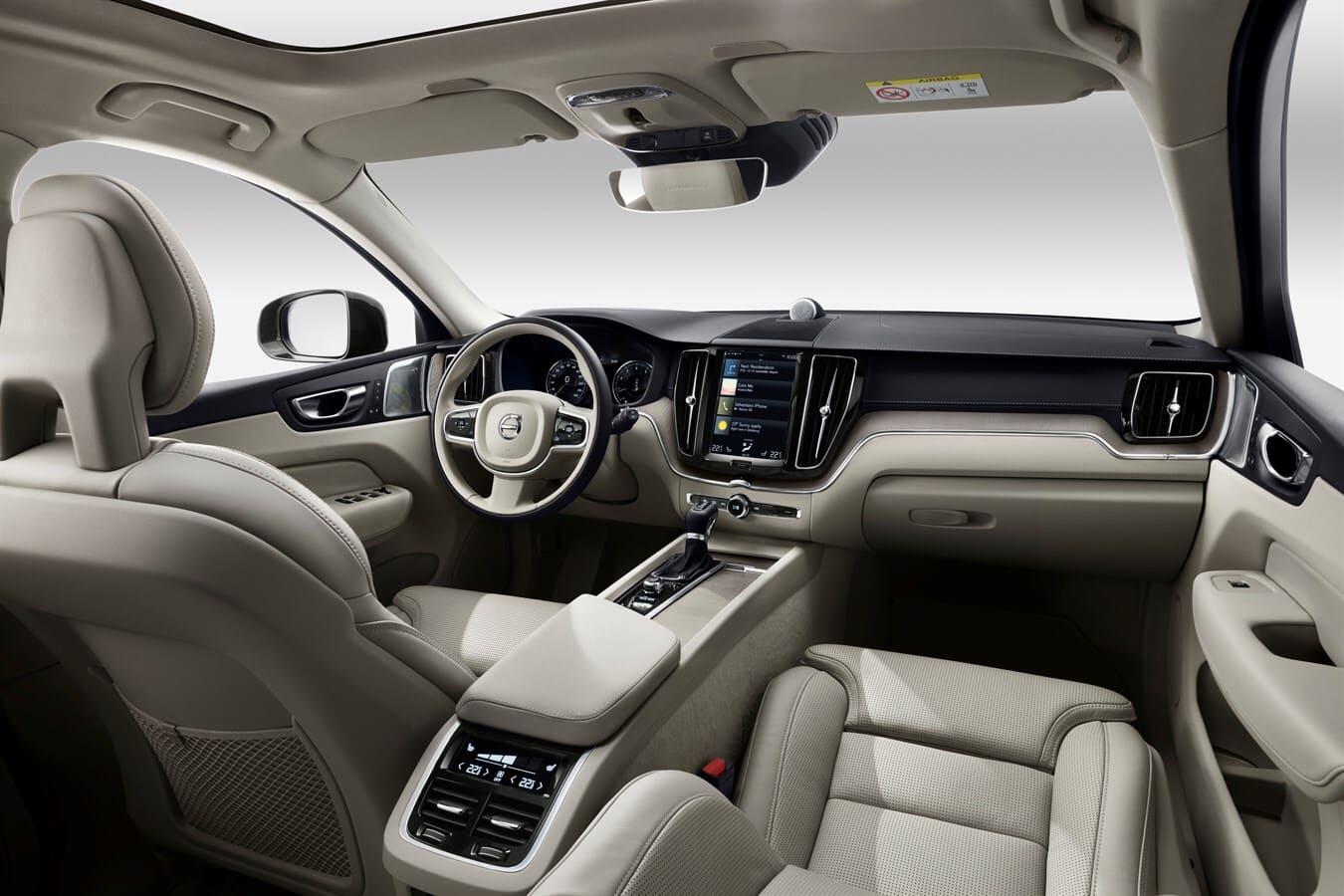 Volvo XC60 interiér, dlhodobý prenájom Volvo, Avis